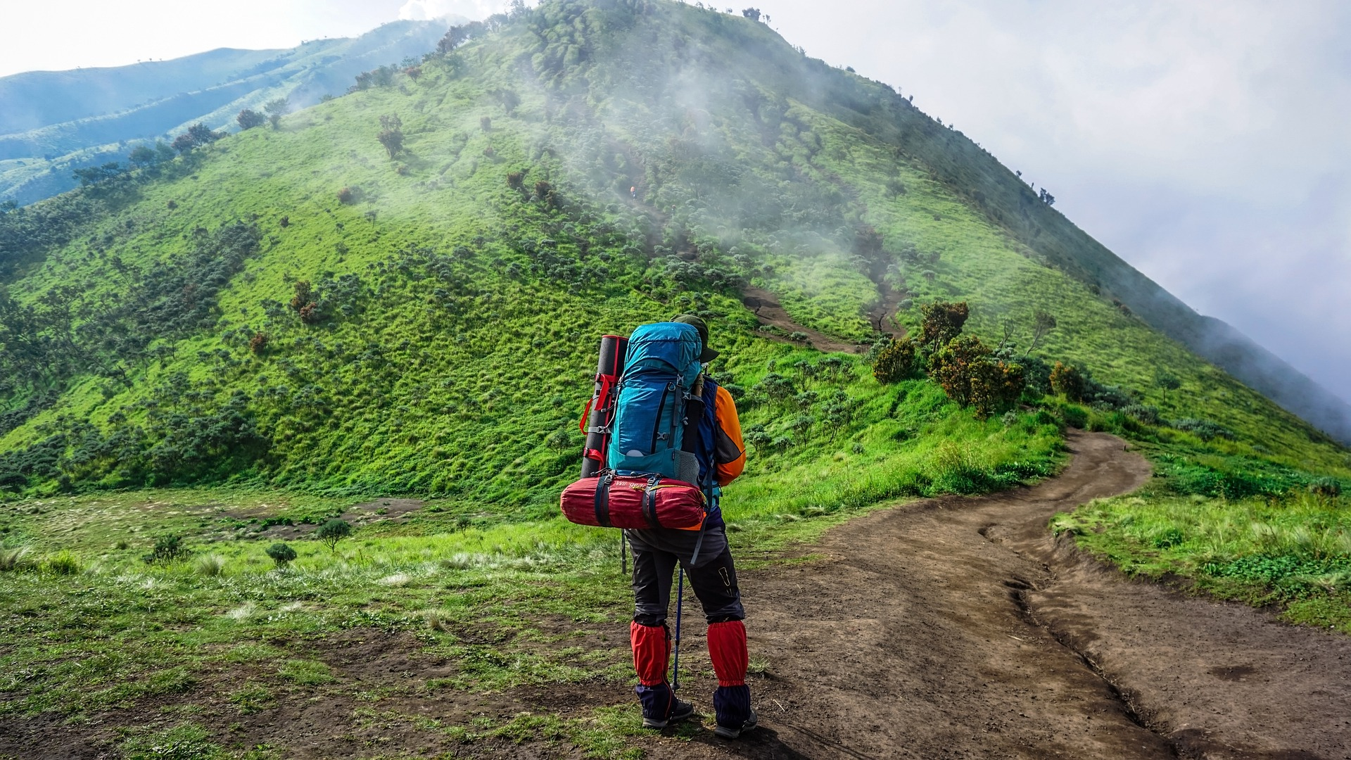 Invest in the most suitable backpack, rucksack, suitcase, travel, shoulder bag, backpacking, trek, hitchhike, nature, beauty, cheap flights, holidays, vacay, vacations, all-inclusive travel package